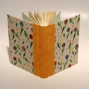 Könyv, napló, emlékkönyv, jegyzetelő. Kézzel festett virágmintás vászon borító, Naptár, képeslap, album, Otthon & lakás, Gyerek & játék, Jegyzetfüzet, napló, Könyvkötés, Papírművészet, Napló, jegyzetelő, emlékkönyv üres lapokkal.\n\nA 120 g-os elefántcsontszínű belső lapokat kézzel fűzt..., Meska