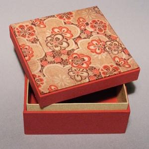 Doboz, díszdoboz, tároló, ajándékosdoboz, díszcsomagolás; papír és vászon kombinációja, ajándékos doboz japán képpel, Dekoráció, Otthon & lakás, Lakberendezés, Tárolóeszköz, Papírművészet, Könyvkötés, Doboz, díszdoboz, tároló, ajándékosdoboz, díszcsomagolás. Ebben a dobozban sokféle apróság elrejthet..., Meska