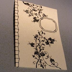 A/4-es méretű füzet. Kézzel fűzött, kézzel rajzolt; natúr borító, Naptár, képeslap, album, Otthon & lakás, Jegyzetfüzet, napló, Könyvkötés, Festett tárgyak, A4-es méretű füzet, kézzel rajzolt borítóval, kézzel fűzött (japán fűzéssel). Akár más méretben, más..., Meska