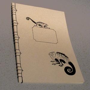 A/4-es méretű füzet. Kézzel fűzött, kézzel rajzolt; natúr borító, Naptár, képeslap, album, Otthon & lakás, Jegyzetfüzet, napló, Gyerek & játék, Könyvkötés, Festett tárgyak, A4-es méretű füzet, kézzel rajzolt borítóval, kézzel fűzött (japán fűzéssel). Akár más méretben, más..., Meska