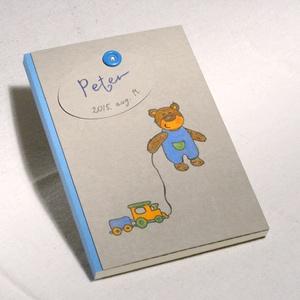 Babanapló, babakönyv kisfiúknak, emlékkönyv baba születésére, kézzel fűzött, rajzolt borító kisfiú macival, Játék & Gyerek, Babalátogató ajándékcsomag, Könyvkötés, Fotó, grafika, rajz, illusztráció, Babanapló, babakönyv kisfiúknak, emlékkönyv baba születésére. Keresztelői emlék és ajándék, egyedi n..., Meska
