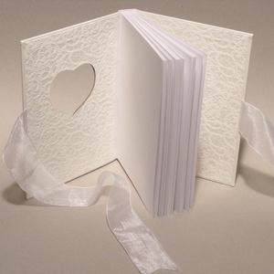 Fehér esküvői vendégkönyv, emlékkönyv esküvőre, nászajándék az ifjú párnak, organza szalaggal - Meska.hu