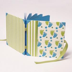 Fotóalbum babáknak, babaalbum, kék-zöld kisfiú album, papír és vászon borító, szalaggal, Otthon & Lakás, Papír írószer, Album & Fotóalbum, Könyvkötés, Papírművészet, Kék és zöld fotóalbum babáknak, babaalbum, kisfiú album. Ajándék kisfiú születésére vagy születésnap..., Meska