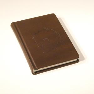Valódi bőr zsebnaptár lófejjel, heti beosztású napló, 2022-re. Személyessé tehető. Kérhető más minta, név, monogram, Otthon & Lakás, Papír írószer, Naptár & Tervező, Papírművészet, Könyvkötés, Meska
