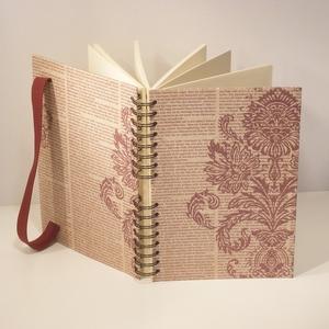 Spirálfüzet kemény borítóval, spirálozott jegyzetfüzet, notesz, gumival, vintage motívum, perszonalizálható, Otthon & lakás, Naptár, képeslap, album, Jegyzetfüzet, napló, Egyéb, Könyvkötés, Papírművészet, Spirálfüzet kemény borítóval, spirálozott jegyzetfüzet, notesz, gumival.\nA borító vintage hangulatú,..., Meska