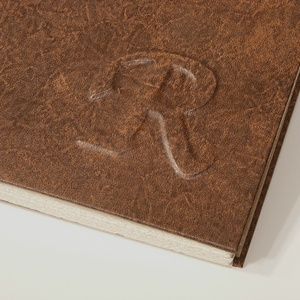 Kopt fűzésű könyv A5 méretben. Barna antikolt műbőr borító, domborított betű vagy monogram, többféle belső választható - Meska.hu