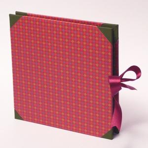 Kockás fotóalbum, scrapbook album, pink, bordó, keki színes borítóval, szaténszalag megkötővel  - Meska.hu