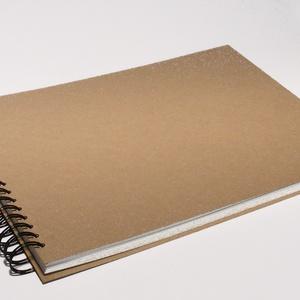 Nagyméretű, fekvő formájú, kemény borítós, díszíthető fotóalbum. Spirálozott fényképalbum, natúr csomagolópapír borítás, Album & Fotóalbum, Papír írószer, Otthon & Lakás, Könyvkötés, Nagyméretű, fekvő formájú, kemény borítós, díszíthető fotóalbum, scrapbook album, spirálozott fényké..., Meska