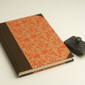 B5 félvásznas napló, emlékkönyv, vendégkönyv sima lapokkal. Mintás, narancs borító, sötétbarna vászon gerinc és sarkok, Naptár, képeslap, album, Férfiaknak, Jegyzetfüzet, napló, Könyvkötés, Papírművészet, B5 félvásznas napló, emlékkönyv, vendégkönyv sima lapokkal. Papír és vászon kombinálásával készült...., Meska