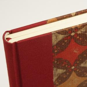 B5 absztraktmintás félvásznas napló, emlékkönyv, vendégkönyv sima lapokkal. Kemény borító, bordó vászon gerinc és sarkok - Meska.hu