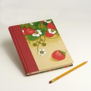 Epres napló, emlékkönyv, jegyzetfüzet, notesz eprekkel. Receptgyűjtő könyv sima lapokkal, epres motívummal, tavaszias, Otthon & Lakás, Papír írószer, Jegyzetfüzet & Napló, Könyvkötés, Papírművészet, Epres napló, emlékkönyv, jegyzetfüzet, notesz eprekkel. Receptgyűjtő könyv sima lapokkal, epres motí..., Meska