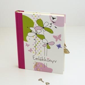 Emlékkönyv lakattal, két kulccsal. Titkos napló kislányoknak, egyedi címmel RENDELHETŐ, Papír írószer, Otthon & Lakás, Jegyzetfüzet & Napló, Könyvkötés, Papírművészet, Emlékkönyv lakattal, két kulccsal, kulcsos könyv, titkos napló kislányoknak.\nKemény borító, nyomtato..., Meska