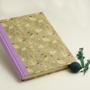 Madaras félvásznas B5 napló, vendégkönyv üres, sima lapokkal. Halványlila vászon gerinc, borító madaras mintával, Naptár, képeslap, album, Otthon & lakás, Jegyzetfüzet, napló, Könyvkötés, Papírművészet, Madaras félvásznas B5 napló, vendégkönyv, emlékkönyv. Kézzel fűzött, üres, sima lapokkal, kemény kön..., Meska