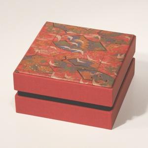 Díszdoboz, ajándékos doboz, tárolódoboz; papír és vászon kombinációja, a fedelén nyomtatott papír japános mintával, Díszdoboz, Dekoráció, Otthon & Lakás, Papírművészet, Könyvkötés, Díszdoboz, ajándékos doboz, tárolódoboz; papír és vászon kombinációja, a fedelén nyomtatott papír ja..., Meska