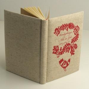 Esküvői vendégkönyv, emlékkönyv esküvőre. Magyaros, népmesés könyv, párnázott, natúr vászon borító, Naptár, képeslap, album, Otthon & lakás, Jegyzetfüzet, napló, Esküvő, Nászajándék, Könyvkötés, Papírművészet, Kézzel fűzött esküvői vendégkönyv, emlékkönyv üres lapokkal. Szép nászajándék magyaros esküvőre.\n\nAz..., Meska