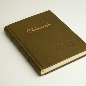 Vadásznapló, valódi bőr napló vadászoknak, kézzel fűzött valódi bőr könyv, személyes ajándék férfiaknak monogrammal - Meska.hu