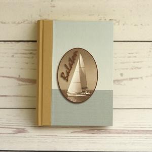 Balaton útinapló, emlékkönyv, hajónapló, elöl vitorláshajó, vászon gerinc, Naptár, képeslap, album, Otthon & lakás, Jegyzetfüzet, napló, Férfiaknak, Könyvkötés, Papírművészet, Balaton útinapló, emlékkönyv, hajónapló, elöl vitorláshajó, vászon gerinc.\n\nA visszafogott színű, ke..., Meska