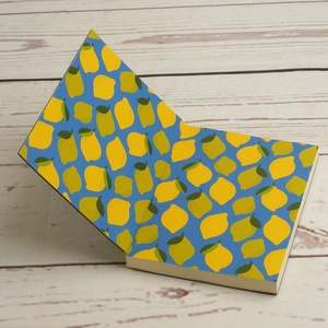 Gyümölcsös, citromos notesz, kézzel fűzött kisméretű könyv, jegyzetelő, kézzel hímzett fekete borító, citrom motívummal - Meska.hu