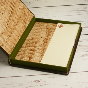 Valódi bőr dobozok íróasztalra, 2 db-os szett, férfiaknak. Levélpapírok, boríték és névjegykártya tárolására, ajándékkal - Meska.hu