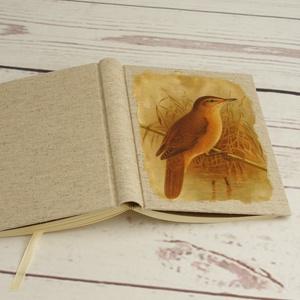 Madaras napló, kisméretű kézzel fűzött üres könyv, jegyzetelő. Natúr vászon borító, üres lapok. Régies, vintage stílus, Otthon & Lakás, Papír írószer, Jegyzetfüzet & Napló, Papírművészet, Könyvkötés, Madaras napló, kisméretű kézzel fűzött üres könyv, jegyzetelő. Natúr vászon borító, üres lapok. Régi..., Meska