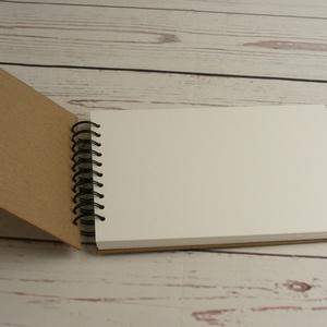 A4-es, fekvő formájú, kemény borítós díszíthető album, fotóalbum. Spirálozott fényképalbum, natúr csomagolópapír borítás - Meska.hu