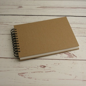 B5-ös, fekvő formájú, kemény borítós díszíthető album, fotóalbum. Spirálozott fényképalbum, natúr csomagolópapír borítás, Album & Fotóalbum, Papír írószer, Otthon & Lakás, Könyvkötés, B5-ös, fekvő formájú, kemény borítós díszíthető album, fotóalbum. Spirálozott fényképalbum, natúr cs..., Meska