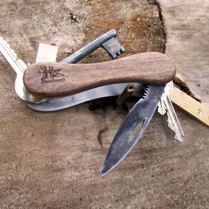 Kulcsos Bicska - pengével, golyóstollal, Táska & Tok, Kulcstartó, Kulcstartó & Táskadísz, Felejtsd el a kulcskarikát. Ez egy egyedi kézzel készült kulcstartó melyen mindig ugyanott vannak a ..., Meska