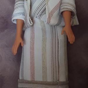 Tavaszi ruha babáknak, Játék & Gyerek, Baba & babaház, Babaruha, babakellék, Kétrészes, vállpánt nélküli ruhából és kiskabától álló ruha Barbie típusú babáknak, gyönggyel készít..., Meska