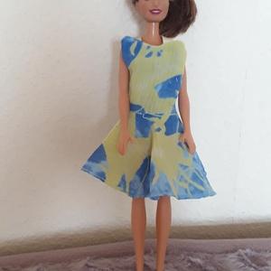 Csodás nyári ruha babáknak, Játék & Gyerek, Baba & babaház, Babaruha, babakellék, Csinos, egyedileg tervezett és varrt, különleges hátmegoldású nyári ruha selyemből, Barbie típusú ba..., Meska