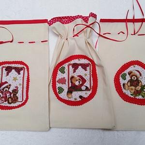 Mikulás zacskó 3 db 30 x 19 cm, Karácsony, Ajándékzsák, Varrás, Molinóból készült, mikulásos applikációval.\nPiros szaténszalaggal lehet összehúzni !\nKarácsonyi aján..., Meska