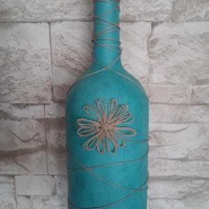 Türkiz kék váza, Váza, Dekoráció, Otthon & Lakás, Festett tárgyak, Türkiz kék színű, enyhén márványos hatású váza született, egy nagyobb méretű borosüvegből. \nAz üvege..., Meska
