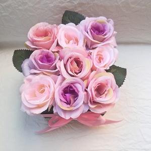 Romantikus rózsák , Anyák napja, Ünnepi dekoráció, Dekoráció, Otthon & lakás, Esküvő, Lakberendezés, Asztaldísz, Virágkötés, Melyik nő ne vágyna a romantikára? Add meg neki ezt az érzést, hogy a mindennapok szürkeségét \nfeldo..., Meska