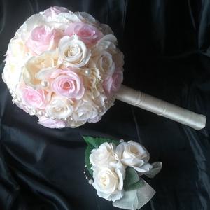 Esküvői, menyasszonyi csokor kitűzővel, Esküvő, Esküvői csokor, Esküvői dekoráció, Hajdísz, ruhadísz, Virágkötés, 18 cm átmérőjű, gömb formájú menyasszonyi csokor, selyemrózsából és hortenziából, gyöngy díszítéssel..., Meska