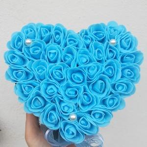 Bájos kék rózsabox ajándék, Esküvő, Meghívó, ültetőkártya, köszönőajándék, Otthon & lakás, Dekoráció, Lakberendezés, Asztaldísz, Virágkötés, Neked is kék a kedvenc színed? Te milyen alkalomra tudnád elképzelni?\n\nHa nincs ötleted, írok neked ..., Meska