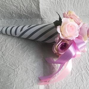 Romantikus rózsacsokor, Esküvő, Meghívó, ültetőkártya, köszönőajándék, Otthon & lakás, Dekoráció, Csokor, Lakberendezés, Virágkötés, Egy rózsacsokor, mely örök dekoráció vagy stílusos ajándék bármely alkalomra. Selyemrózsákból készül..., Meska