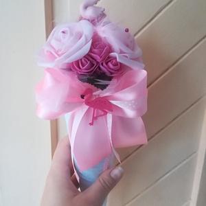 Flamingós habrózsa csokor, Gyerek & játék, Gyerekszoba, Otthon & lakás, Dekoráció, Csokor, Lakberendezés, Virágkötés, Cuki flamingós csokor ballagásra, szülinapra. Flamingó figurákkal és tollakkal díszítve. Mérete: átm..., Meska