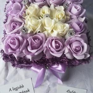 Purple dream rózsadoboz, limitált kiadású virágbox, Otthon & Lakás, Dekoráció, Csokor & Virágdísz, Virágkötés, Meglátni és megszeretni? Álomszép dekoráció otthonodba vagy ajándékba. Tündökölj benne Te is!\nPihe-p..., Meska