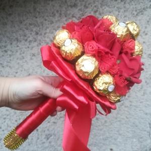 Ferrero bonbon csokor, Otthon & Lakás, Dekoráció, Csokor & Virágdísz, Virágkötés, A csokor egy korábbi munkám, kb egy doboz Ferrero bonbonból és 7 habrózsából készült.\nIdeális ajándé..., Meska