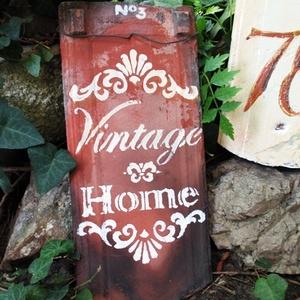 Vintage dekorációs  cserép, Otthon & lakás, Lakberendezés, Utcatábla, névtábla, Kaspó, virágtartó, váza, korsó, cserép, Kerti dísz, Festett tárgyak, Romantikus vintage  felírat\nrégi, bontott cserépből.\nIgazi,antik cserép, szép érett színe miatt, saj..., Meska