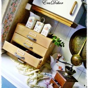 Vintage irattartó, fiókos szekrény, Otthon & Lakás, Bútor, Komód, Vintage sokfiókos szekrény a konyhában. vintage sokfiókos, irattartó  szekrények keresik új otthonuk..., Meska
