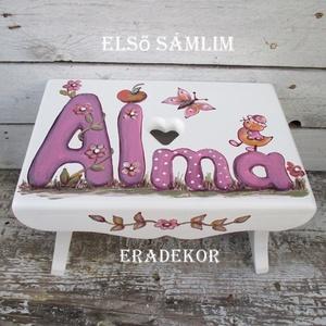 Első sámlim keresztelőre, Gyerek & játék, Otthon & lakás, Bútor, Gyerekszoba, Festett tárgyak, Mesés sámedliket  készítünk gyerekeknek.\n\nEz a lila betűs sámli Almának készült.\nA sámlikat megrende..., Meska