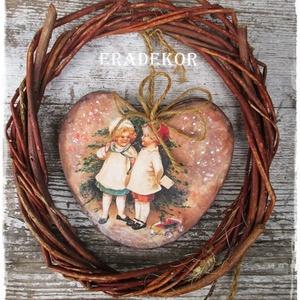NAGY MÉRETŰ FA SZÍV, Otthon & lakás, Dekoráció, Ünnepi dekoráció, Karácsony, Decoupage, transzfer és szalvétatechnika, Famegmunkálás, Gyerekszoba dekoráció.\n  Ez egy nagy méretű, rusztikus fa szív, bájos vintage  képpel.\nRomantikus le..., Meska