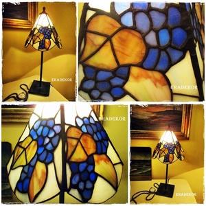 Kékes zöldes  vintage fények, Otthon & lakás, Lakberendezés, Lámpa, Asztali lámpa, Üvegművészet, Vintage lámpabúra.\nA kék a zöld és a barna különböző árnyalatai fénylenek ezen a Tiffany lámpabúrán...., Meska