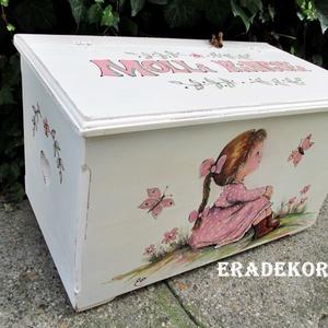 Molli nagylányos meseládája - Meska.hu
