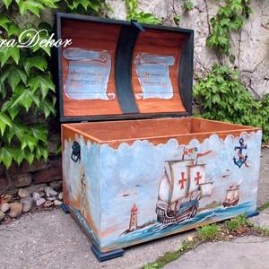 Vitorlás kincsesláda, Játék & Gyerek, Festett tárgyak, Domború tetejű és vitorlás festménnyel készült ez a játéktároló kincsesláda.\nNévre szóló , személyre..., Meska