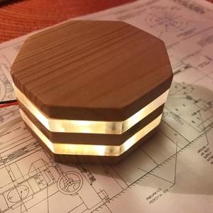zLamp modern LED-es hangulatlámpa egyedi igények alapján elkészítve, Lakberendezés, Otthon & lakás, Lámpa, Hangulatlámpa, Famegmunkálás, Melegfehér 1W-os LED-es lámpa, mely kellemes háttérvilágítás vagy különleges asztali dekoráció is le..., Meska