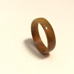 Fából készült különleges karikagyűrű., Kerek gyűrű, Gyűrű, Ékszer, Famegmunkálás, Válogatott, különlegesen szép erezetű fából készítem rendkívül aprólékos megmunkálással, nagy odafig..., Meska
