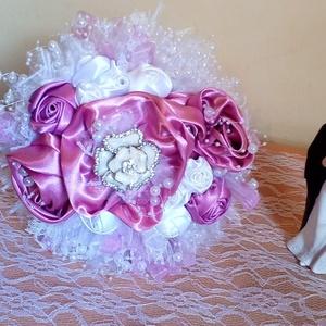 Rózsaszín menyasszonyi örökcsokor, Esküvő, Esküvői csokor, Dekoráció, Otthon & lakás, Csokor, Virágkötés, Varrás, Gyönyörű menyasszonyi örökcsokor\nÁtmérő: 24 cm magasság 24 cm.\nA terméket teljes mértékben sajátkezü..., Meska
