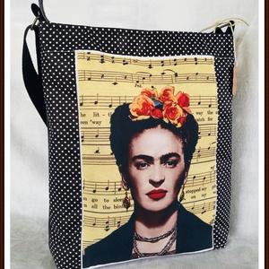 Frida Kahlo vászon/műbőr válltáska, Táska, Divat & Szépség, Táska, Válltáska, oldaltáska, Varrás, Vászon és műbőr válltáska előlap nyomott vászon és pöttyös anyag vastag táska merevítővel a jó tartá..., Meska