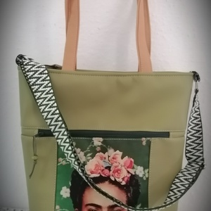 Frida műbőr/vízálló panes shopper bag, Táska & Tok, Bevásárlás & Shopper táska, Shopper, textiltáska, szatyor, Varrás, Jó nagy pakolós shopper bags. Műbőr és vízálló panel kombinációja. Hosszú és rövid pánttal. Elől ,kí..., Meska